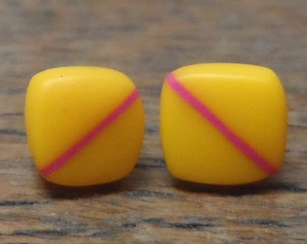 Mini resin studs - yellow with cerise stripe