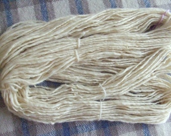 50% off SALE! Hand Spun Local Long Wools Singles Yarn, creamy white, 7 ozs (200 gms), Bulky wt. for fast knitting!