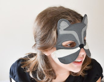 Grey Wolf Mask, Kids Felt Mask, Wolf Costume Accessory, Woodland Animal, Photo Props