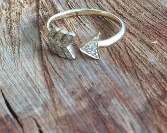 14K Yellow Gold Diamond Arrow Ring, Gold Arrow Ring, Midi Arrow Ring, Arrow Ring, Solid Gold, Diamond Ring, Knuckle ring, Gold Ring, Arrow