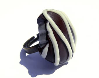 Gourmet bitten chocolate - ring polymer clay - chocolate ring
