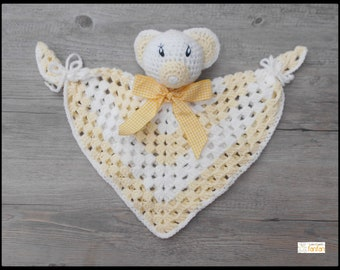 Teddy bear yellow glitter and white crochet blanket
