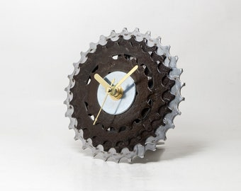 Boyfriend Gift, Husband Gift, Bicycle Desk Clock, Bicycle Gear Clock, Bicycle Clock, Unique Bike Clock, Industrial Decor, Contemporary Clock