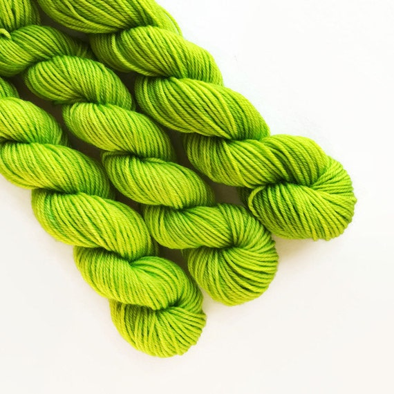 lime / hand dyed yarn / mini skein / sock fingering yarn / merino wool superwash/ semi-solid lime green / sock mini / needlepoint embroidery