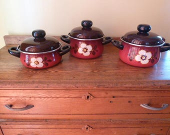 Vintage Enamelware Cookware- Red with White Flower- NICE!!!