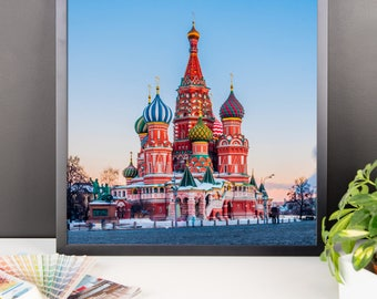 Framed poster with picture of Moscow
