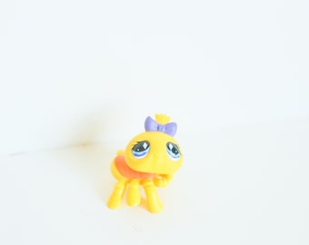 Littlest Pet Shop LPS Spider Yellow Insect Bug