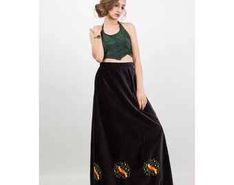Vintage Christmas embroidered novelty maxi skirt / Deep brown Velvet / 12 days of Christmas / Partridge in a pear tree M