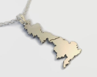 Wainwright's Coast to Coast Walk Necklace - Engraved Long Distance Walk Necklace - A great gift for walkers and hikers