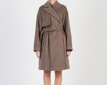 Modern Asymmetrisch High-Grade Angora Coat _ Walnut Grey