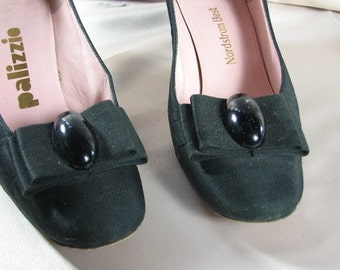 1960s Black Satin Pumps with Bows...... Hand Sewn by Palizzio........size 7