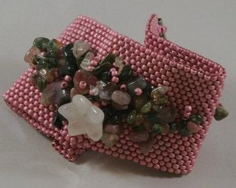 Floral Garden. Beaded bracelet. Beadwork.