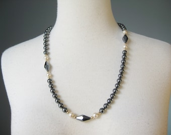 Hematite Necklace / Vtg / Faux Pearl and Hematite Necklace