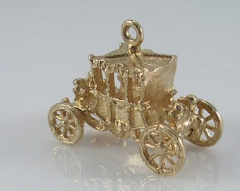Vintage 3D 9ct Gold Royal Carriage Charm.Movable Wheels