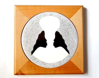 1 Sister Design Trivet White Earthenware Ceramic Tile with an Alder Wood Frame