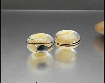 Ginnovations lampwork, Caramello bead pair (2 beads)