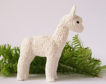 Polymer Clay Alpaca, White or Brown Clay Alpaca, Clay Llama, Alpaca Figurine, Alpaca Sculpture, Desk Accessory, Nursery Decor, Cake Topper