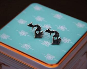 "I ""heart"" michigan silver gray stud earrings!"
