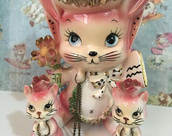 FREE WORLDWIDE SHIPPING Very Rare Vintage Pink Mama Bunny Rabbit and Baby Bunnies Family with Gold Accents Arnart Collectible Figurines
