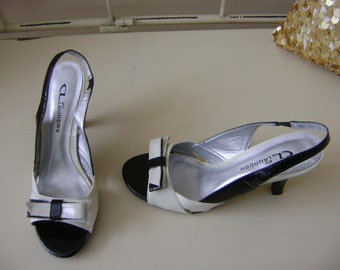 Women's Black and White Bow Sandals - 6M