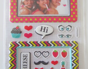 Set of 2 stickers frames pictures + accessories - scene put your favorite photos