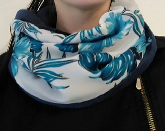 Snood blue and white flower