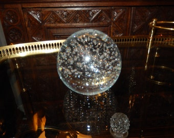 CLEAR BUBBLE PAPERWEIGHT