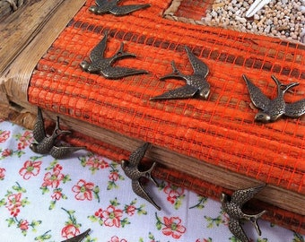 5 pendants swallows in flight finely engraved antique bronze color
