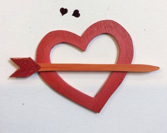 Preorder/order forward/Heart with arrow shawl pin, shawl pins, of wood. Zoownatas.