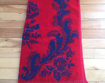 Vintage 1970s Blue Red Roses Floral Velvet Terry Cloth Bath Towel!