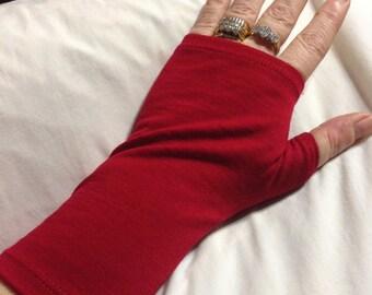 Lynda's NZ made 100% merino fingerless gloves