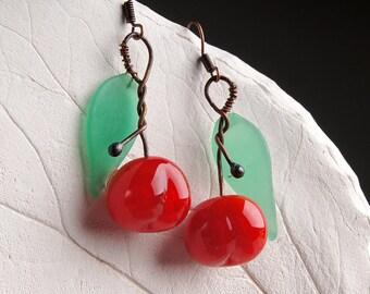 Cherry lampwork earrings, glass berry earrings, red bead earrings, red earrings, nature earrings, glass cherry earrings, fruit earrings