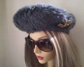 Classic faux fur vintage style beret hat.