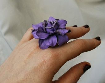 Lilac leather rose flower ring