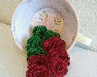 10 Flowers Red Green Crochet Roses