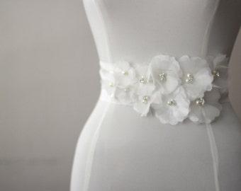 Organza bunch of flowers bridal belt, wedding dress belt, bridal sash