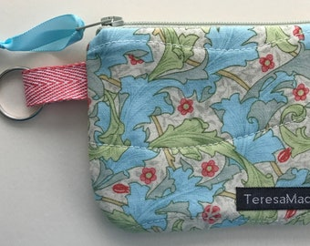 XX-Small Leaf Zip Pouch