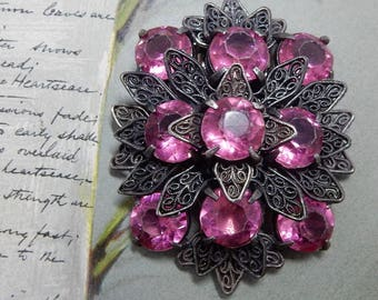 PINK 1920s Rhinestone & Pot Metal Dress or Fur Clip    PA37