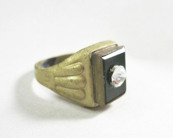 Small Art Deco Era Ring - Costume Jewelry - Black Rectangle - Rhinestone - Brass - Size 5.25 - 1920s to 1930s