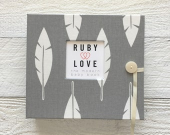 BABY BOOK | Gray Feathers Silhouette Album