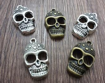 20  pcs  Skull Charms   ,  Gothic Skull Charms   , Sugar Skull Charms,Halloween Skull , Gothic Skull ,