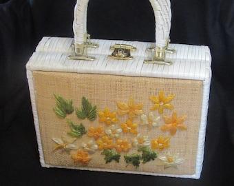 1950s White Wicker Purse /  Mr Ernest Floral Needlepoint Flowers Woven Plastic Handbag Hong Kong Rockabilly