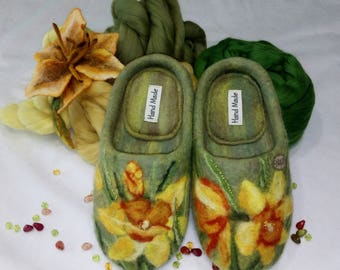 Felted slippers with flowers for woman, from wool