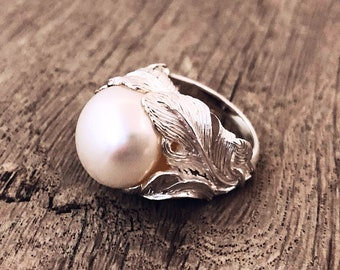 Pearl ring. Large pearl ring. Silver pearl ring. White pearl ring. Pearl ring 925. Modern prarl ring. Pearl ring present for her.