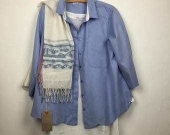 Blue cotton shirt with scalloped hem