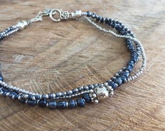 Navy blue Ankle bracelet 3 strand, glass beads anklet blue and silver, chic summer body jewelry