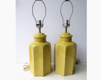 Pair Mid Century Modern Yellow Ceramic Lamps - Fluted Ginger Jar Yellow Gold Table Lamps - Hollywood Regency - Mid Century Modern Lamps -