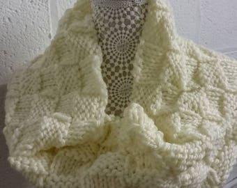 Cream chunky knit snood