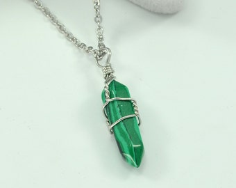 "Silver Wired Malachite Natural Crystal Healing Point Chakra Pendant Necklace 18"" - JN30516SVDU"