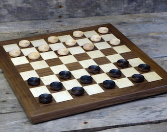 Wooden checkerboard with wooden checkers | checkerboard with solid walnut border